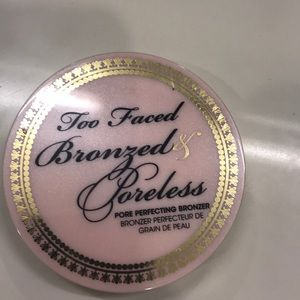 Too Faced Bronzed & poreless Bronzer